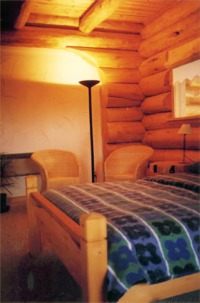 Beautiful log lodge bed and breakfast accommodation Smithers BC